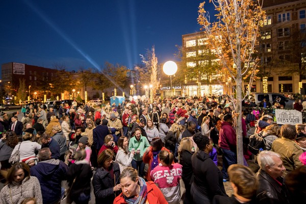 crowd shot of 2017 Downtown Christmas Tree Lighting